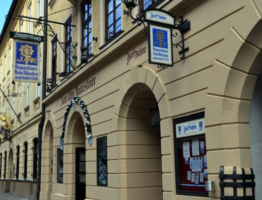 iberl-buehne-theater-george-maiers-bavarian-citytourcard-city-tour-card-munich-muenchen