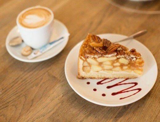 citytoucardmunich-muenchen-rabatt-frühstück-kaffee-kuchen-Miss-Lilly-Bar-Restaurant-Cafe