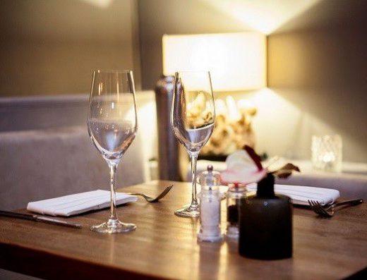 moritz-restaurant-bar-fireplace-discount-citytourcardmunich-munich-muenchen